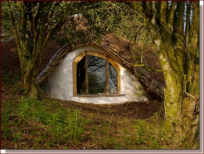 Photo by Simon Dale - The eye-window of the hobbit house